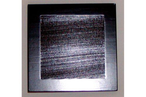 Zedernholz-Unikat schwarz 9 cm x 9 cm 9