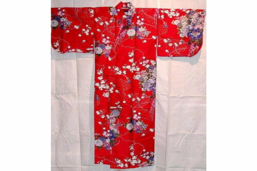 Kinder-Kimono Hana Größe 5 + kleine Damengröße 3