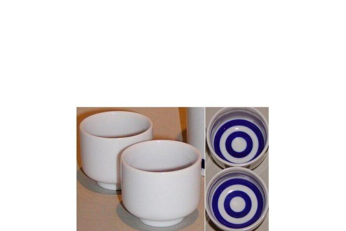 Keramik weiß/blau Kiki-Choko Sakebecher 1