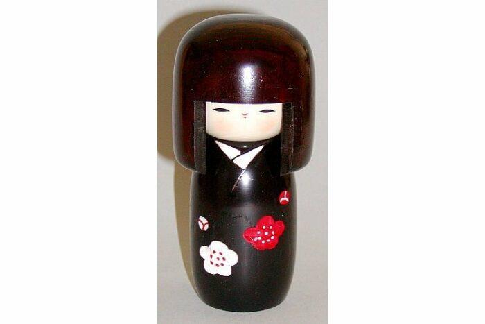 Kokeshi Shiawase no Hana 1