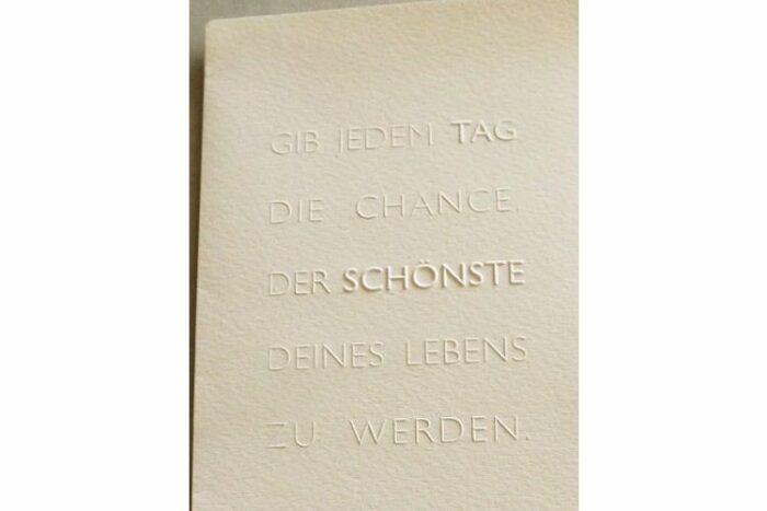 Geschenk-Gutschein Prägekarte Der schönste Tag 1