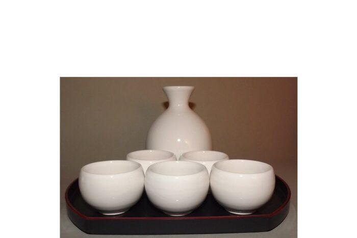 Sake-Servier-Set Chikyu Shiro komplett 1