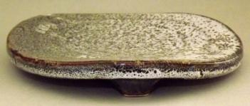 Keramik Teller-Platte auf 3 Füßen 8