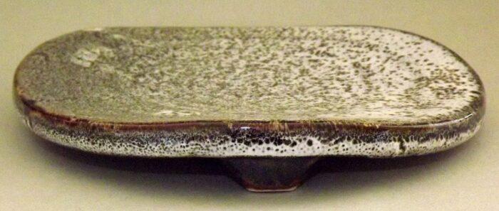 Keramik Teller-Platte auf 3 Füßen 1