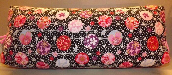 Makura Traditionelles Kopfkissen 40 cm Kobanehana pink-black 1